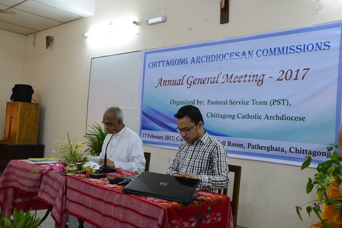 Archbishop Moses Costa & Mr. Manik Willver D'Costa in the AGM of Archdiocesan Commissions 2017