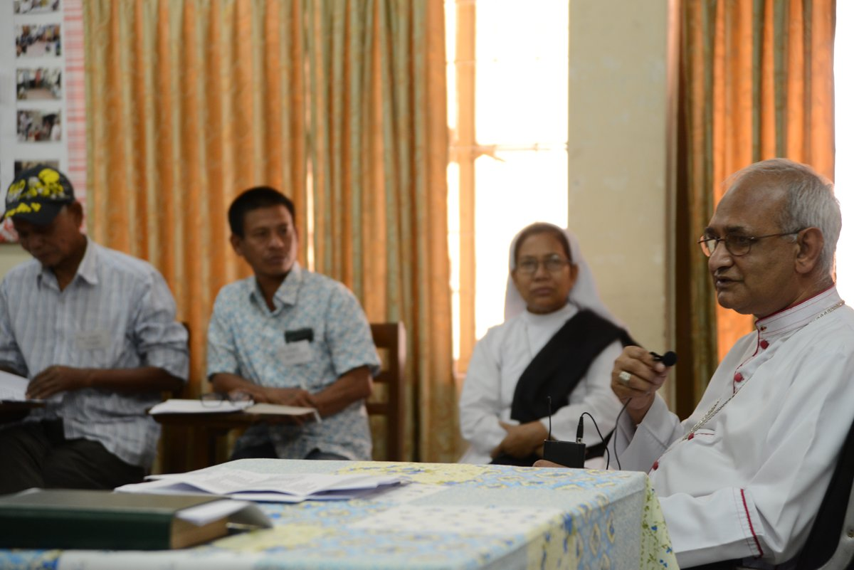 Abp. Moses Costa in discussion with the participants of Karbari Training